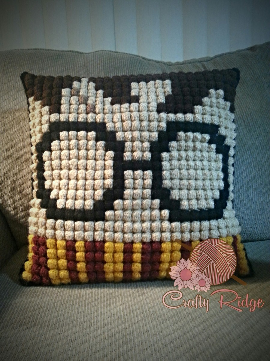 Crochet Patterns Harry Potter : My Very Own Potter Pillow! Crafty Ridge Designs